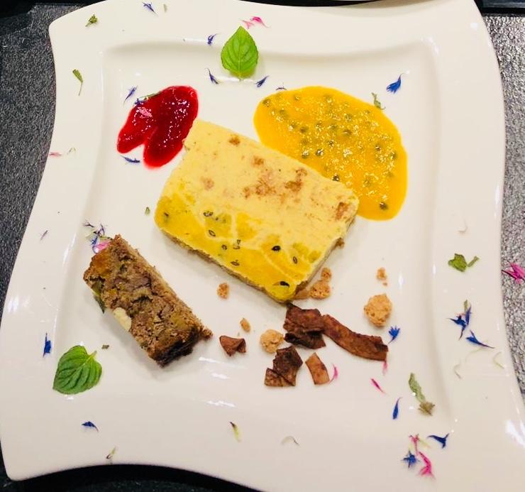 Maracuja-Parfait mit Amarettini